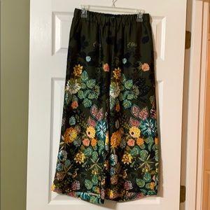 LOFT wide leg pull on pants.  Size XS.